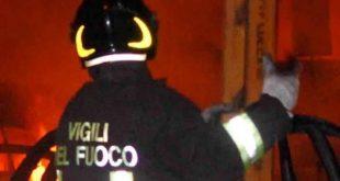 Appiccavano incendi: indagati vigili del fuoco volontari di Ragusa