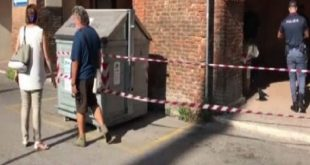 Strage familiare a Ferrara, uccide moglie e figlio e poi brucia la casa